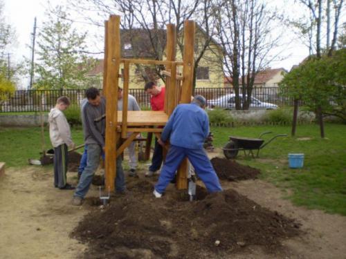 Óvodai képek - Nyugdíjasok köszöntése